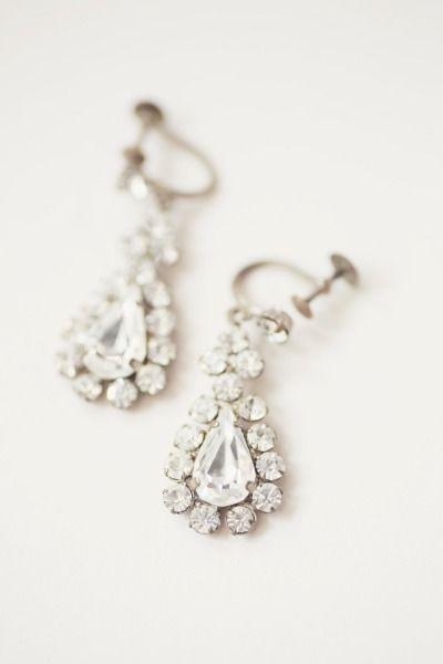 Gorgeous earrings: http://www.stylemepretty.com/destination-weddings/2015/03/05/scottish-castle-wedding/ | Photography: Craig & Eva Sanders - http://craigevasanders.co.uk/