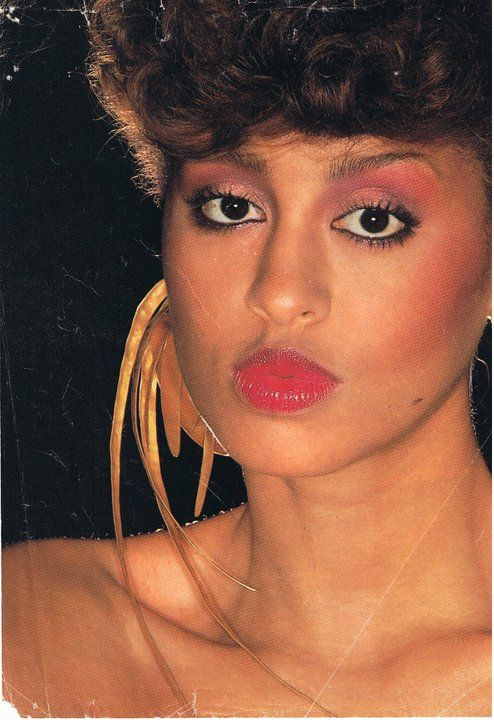 Phyllis Hyman's pretty in pink