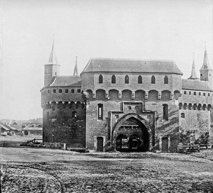 Kraków - ciekawostki, tajemnice, stare zdjęcia ·    Barbakan w latach 1880-90…