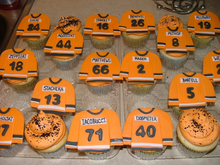 Sugar Fairy Treats & Sweets: Hockey Jersey Cupcakes!