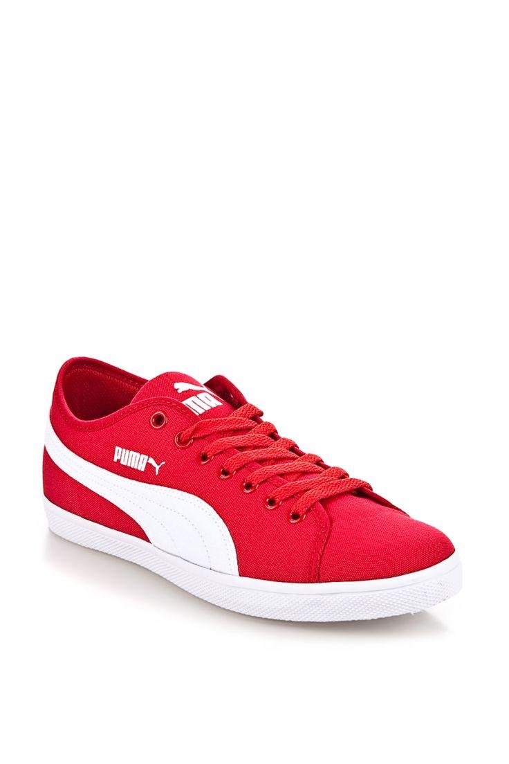 Erkek Ayakkabı Modelleri Eskiden erkekler ayakkabı modelleri bulmakta o kadar şanslı değilken son 10 yıldır artık erkeklerde kadınlar kadar çeşitli ayakkabı modelleri bulabiliyorlar. Ayrıca herkesin zevkine hitap eden tasarımlar hemen hemen her yıl vitrinlere konuluyor. Topuklu …