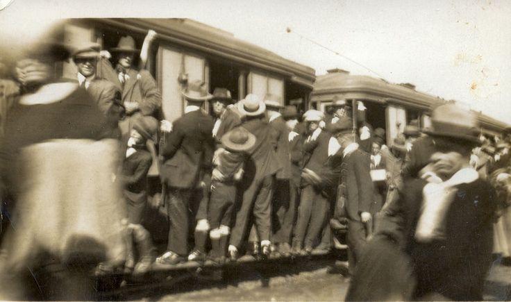 Sydney trams, 1920's. Crazy!