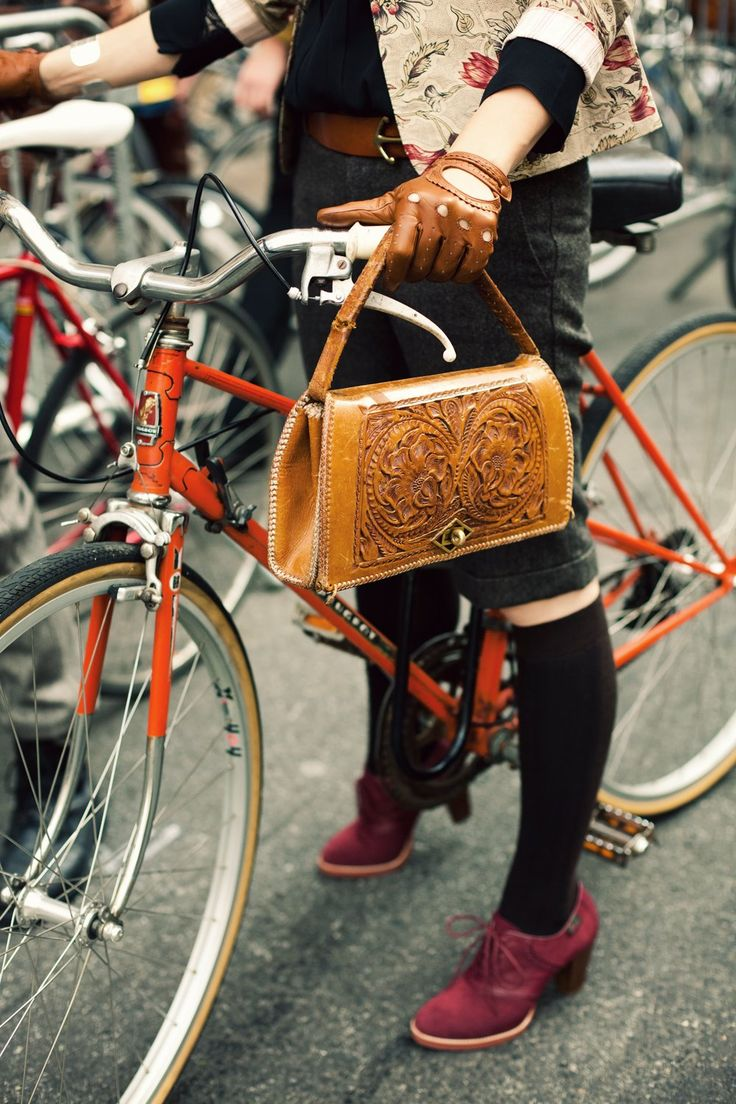 hand tooled leather purse, gloves, shoes, bike.....whats not to like?