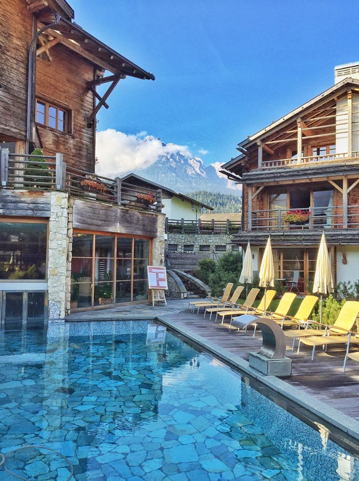 Post Alpina Family Mountain Chalets title