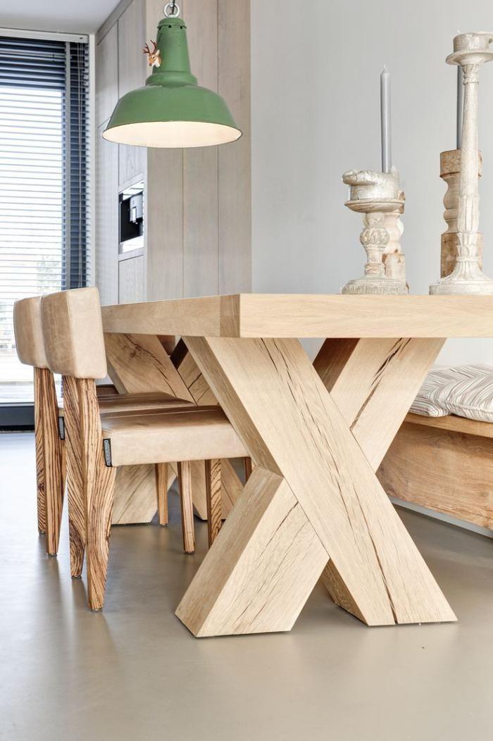 Стол и стулья для кухни: 40+ идей организации обеденного пространства (фото) http://happymodern.ru/stol-i-stulya-dlya-kuxni-42-foto-kak-oformit-komfortnuyu-obedennuyu-zonu/ Красивый набор мебели из светлого дерева и обивкой из кожи