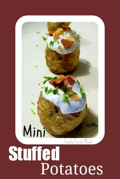 Mini Stuffed Potatoes.  Perfect bite-sized EASY appetizer!  Perfect for football seasonStuffed Potatoes, Baked Potatoes, Bites S Appetizers, Baking Potatoes, Fingers Food, Bites Size, Finger Foods, Fun Fingers, Minis Stuffed