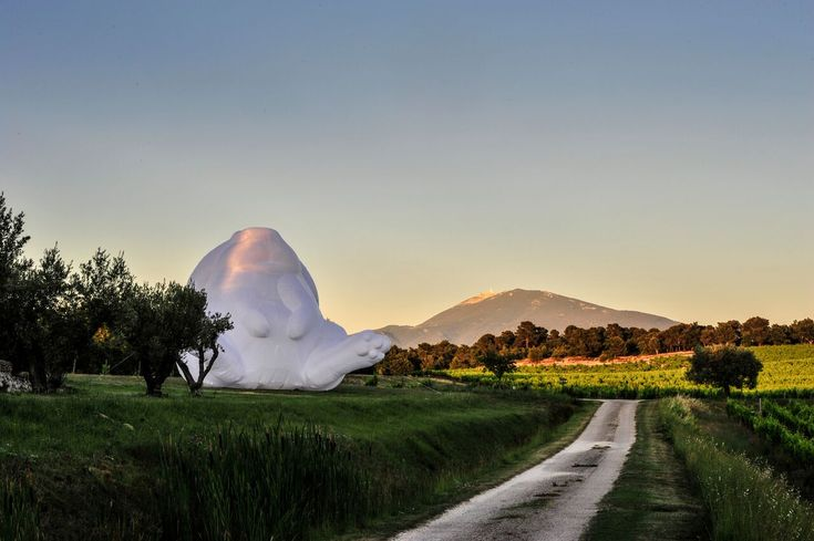 Amanda Parer examines the relationship between humans and the natural world in her massive inflatable artworks. The Tasmania-based artist works with a team including New York based co-producer Chris Wangro. Together, Parer Studio realizes her larger-than-life versions of translucent rabbits, a serie