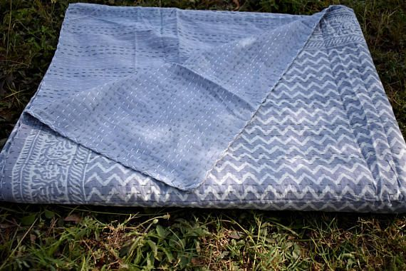 Indian handmade kantha quilt, kantha blanket, sari blanket, throws, queen size blanket, bed spreade, bed sheets  Fabric : 100% cotton Washing instructions : Easy Handwash / Machine Wash Size : 90x108 Inches