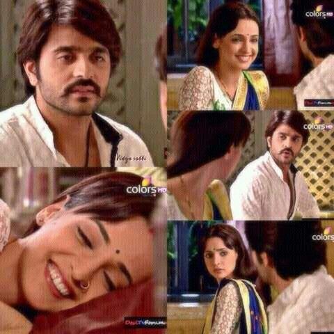 Paro pretending like she had forgotten Rudras birthday 35 Sanaya Irani Ashish Sharma Rangrasiya