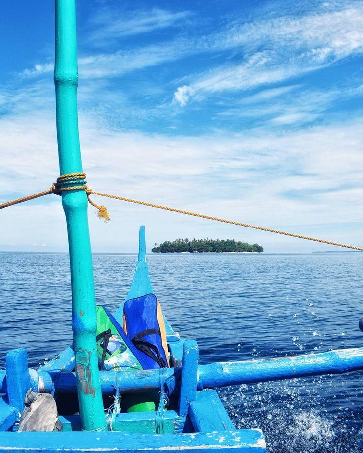 Home is where the anchor drops...     #whpstandout #weekendhastagproject #schoolvacation #beachlife #getaway #nottoolateforsummer #rainyseason #summer #travel #travelphotography #travelasia #potipotisland #beach #zambales #philippines #westphilippinesea #backpacker #photographer #nikon #d3300 #visualartist #blogger