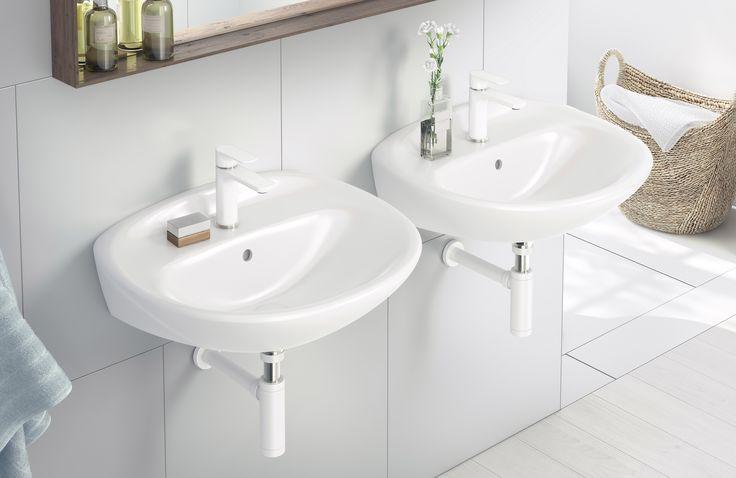 Tvättställ (>50 cm bredd) från Estetic.  Med dubbla tvättställ kan flera i familjen använda badrummet samtidigt.