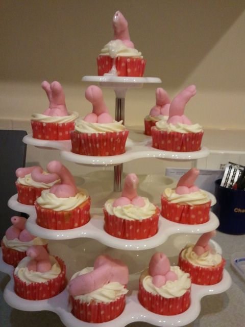 Hens party penis cupcakes #naughty #hensparty
