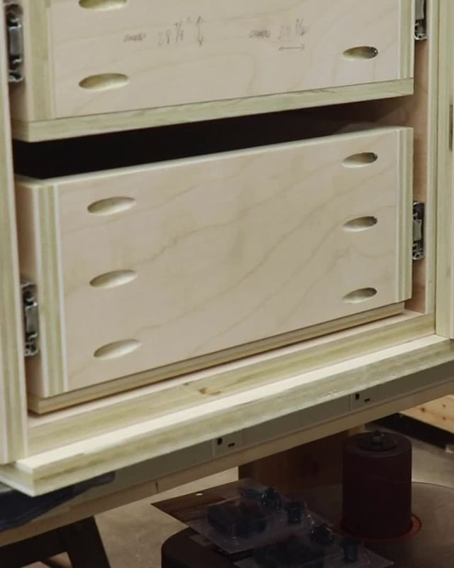 Attaching False Drawers Fronts Used To Be A Laborious Task Then I Came Across This Tip From Woodwhisperer Drill The Drawer Fronts Drawers Building Drawers