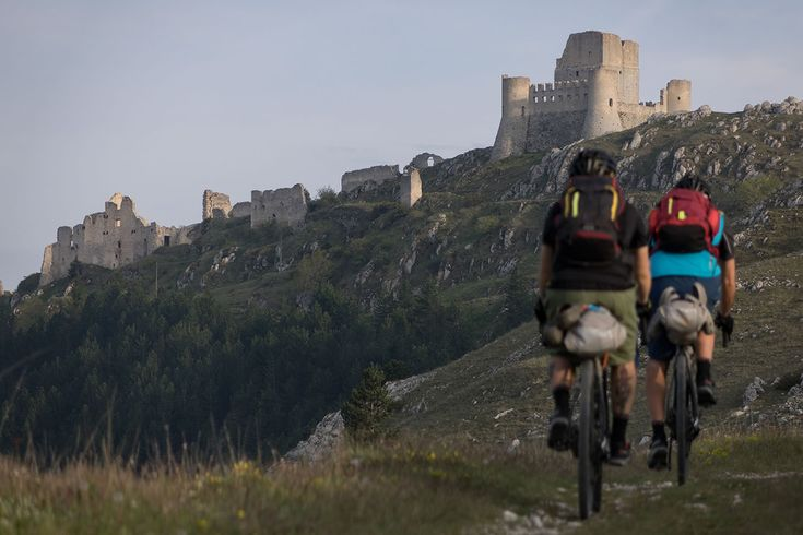 Bikepacking Abruzzo, The Wolf's Lair - BIKEPACKING.com