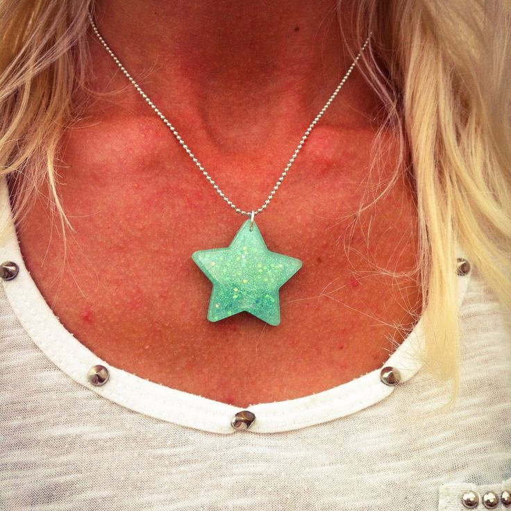 Grab your 'Super Star' necklace... it's ready & waiting to ship! 🌟👀