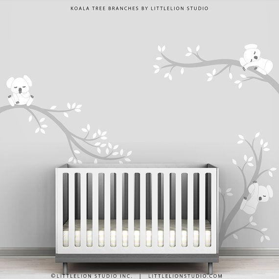 He encontrado este interesante anuncio de Etsy en https://www.etsy.com/es/listing/108729989/kids-wall-decals-white-tree-decals-gray