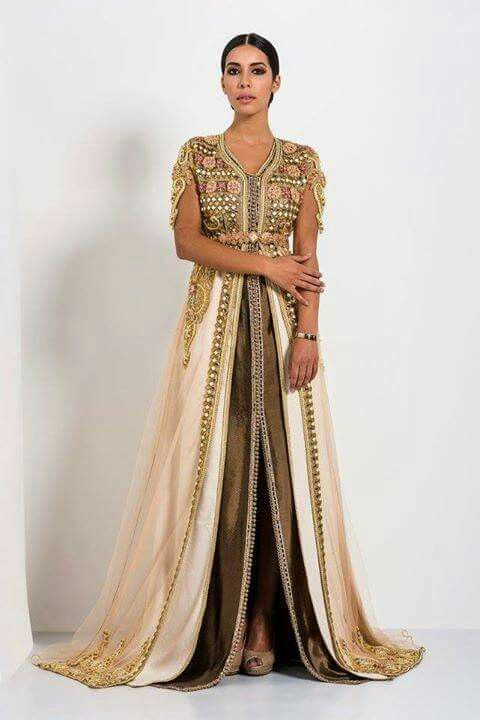 Best 25 arabic dress ideas on pinterest chiffon evening for Caftan avec satin de chaise