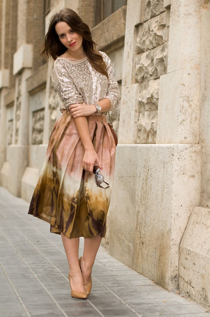 #fashion #fashionista @macarena gea photo tie_dye_skirt-sequins_jumper-street_style-10_zpse2341337.jpg