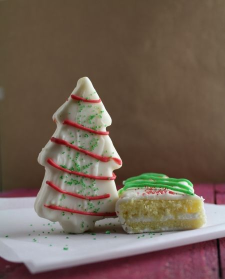 Christmas Tree Snack Cake (Just like Little Debbie!!)