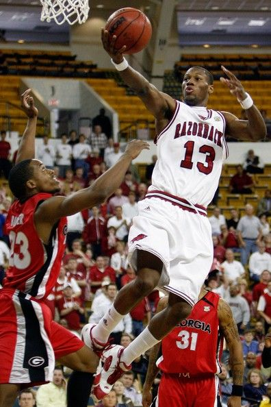 Arkansas basketball | Sonny Weems Sonny Weems #13 of the Arkansas Razorbacks makes a shot ...