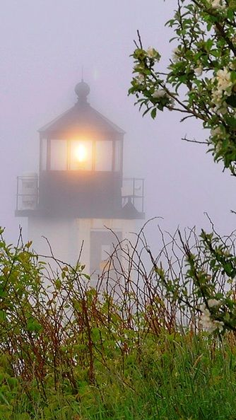 Marshall Point Light - Maine The lighthouse guards the esteem side of Port Clyde…