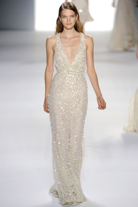 The-Elandra_Wedding-Inspiration_Flowers_Bouquet_Cake_Wedding-Dress_Lanterns_Table-Setting_Romantic