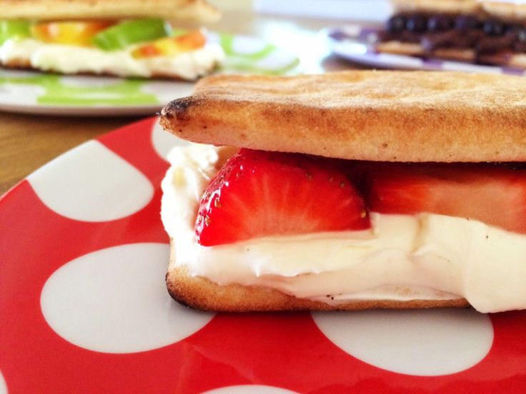 Flat Bread Healthy S'Mores - Strawberry & Cream Cheese