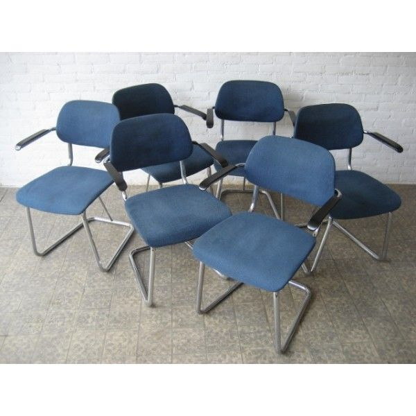 6 vintage buizenstoelen bekleed met blauwe stof 6 vintage tube chairs upholstered in blue fabric