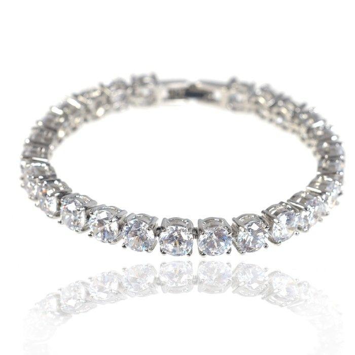 Brăţară Tennis Bracelet Diamonds http://www.borealy.ro/bijuterii/bijuterii-mireasa/bratara-tennis-bracelet-diamonds.html