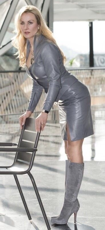 d239ba23b81 Monique Montiniere | Sexy Lady in 2019 | Womens leather skirt ...
