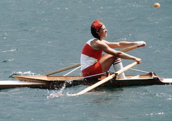 Colette Pépin du Canada participe à une épreuve d'aviron aux Jeux olympiques de Montréal de 1976. (Photo PC/AOC)