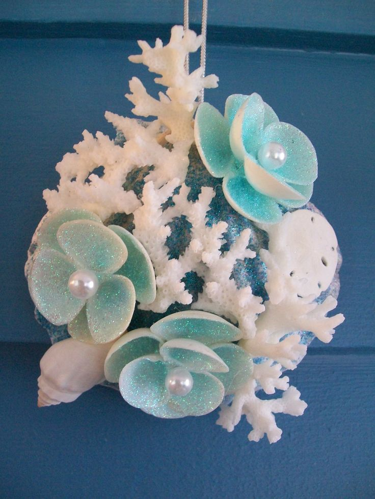 252 best sea shell art images on pinterest shells beach for Sea shell crafts