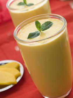 Rezept - Tropischer Mango Kokos Smoothie mit Maca