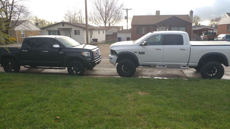15' Dodge 2500 HD 5 inch lift 37in. Tires