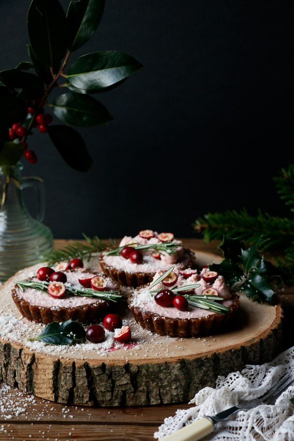 Raw Gingerbread Cranberry Christmas Tarts Grain Free Vegan