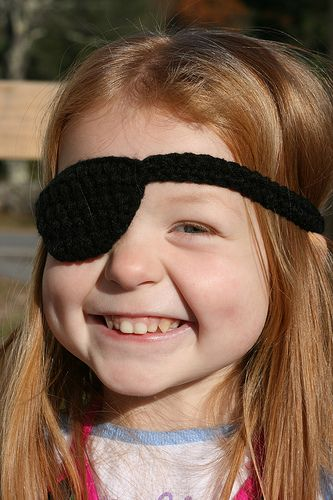 crochet pirate patch - definitely need a few of these