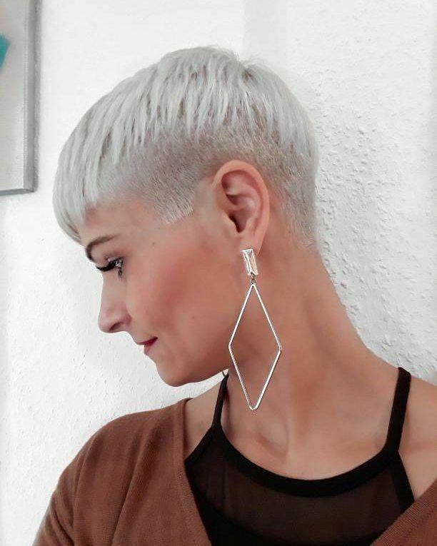 413 best Short women images on Pinterest | Short hairstyle, Hair ...