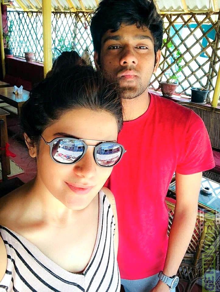 Actress Aathmika 2018 Hd Stills Aathmika Selfie Actresses Be Still