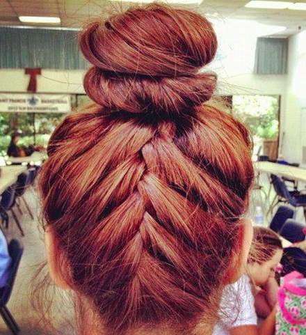 pretty hairr<3 buut. i doont like the color..