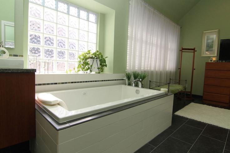 Best 25 Bathroom Lighting Ideas On Pinterest: Best 25+ Light Green Bathrooms Ideas On Pinterest