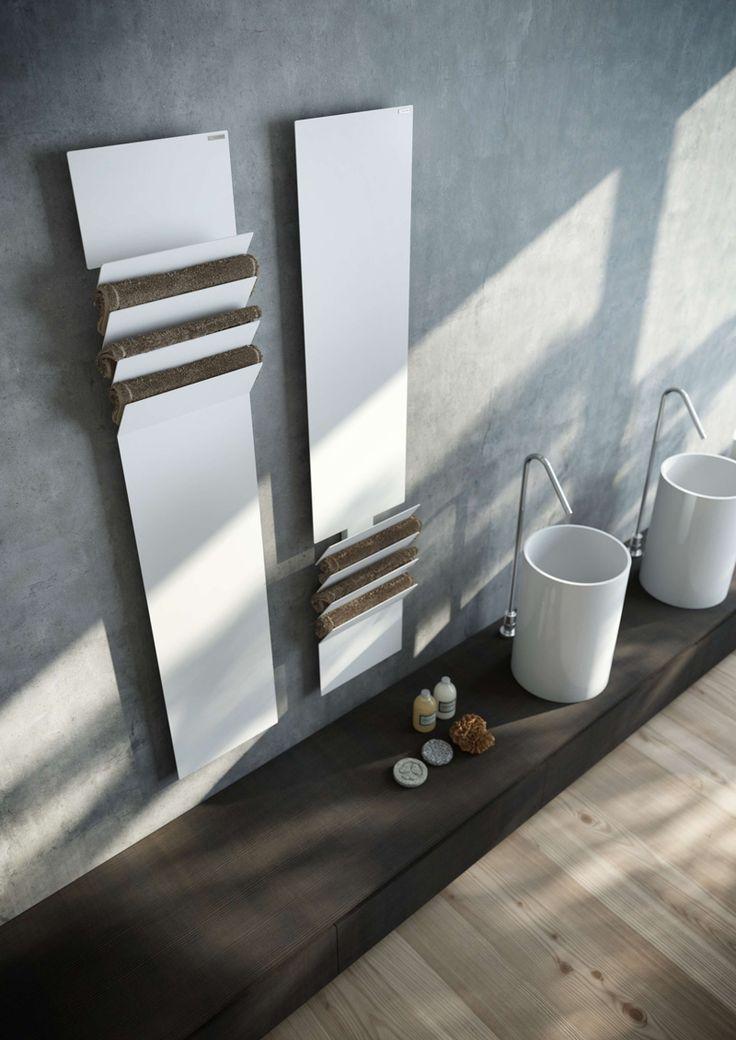 baño minimalista, lavabos de diseño, suelo de parquet, toallero de diseño