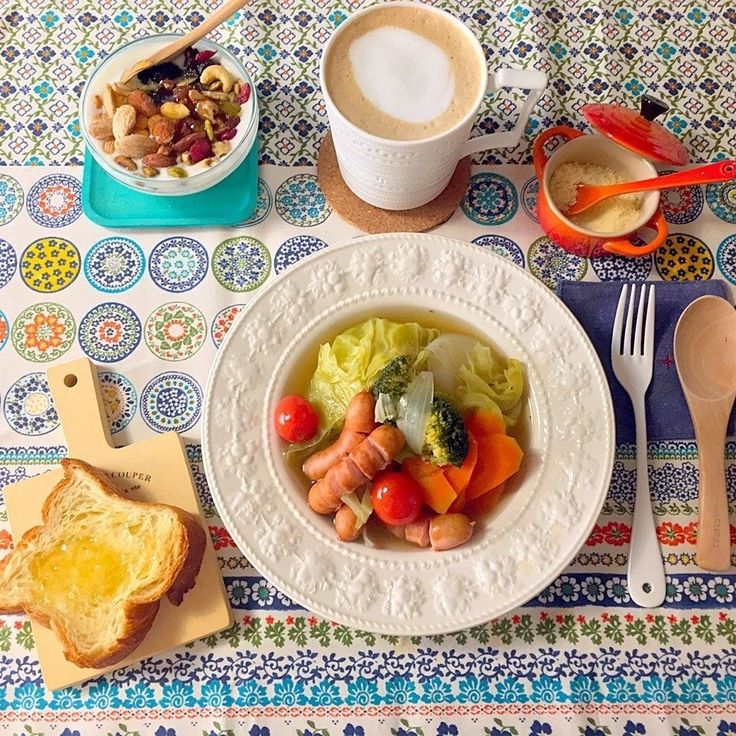fiveblossomさんの朝ごはん #snapdish #foodstagram #instafood #food #homemade #cooking #japanesefood #lunch #bread #breakfast #料理 #手料理 #ごはん #おうちごはん #テーブルコーディネート #器 #お洒落 #おひるごはん #あさごはん #ランチ #ていねいな暮らし #暮らし #おうちカフェ https://snapdish.co/d/11Si5a