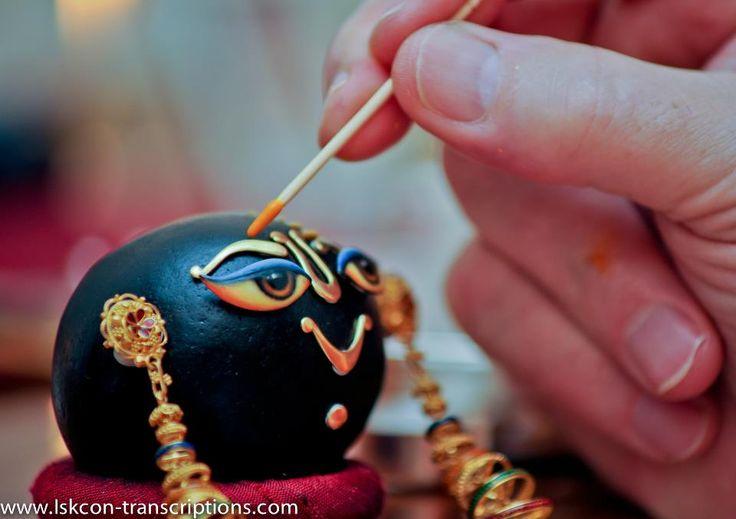 Indradyumna Swami's deity seva