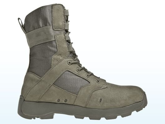 New Balance - 457MSA (DesertLite) -- High-quality, lightweight materials work together to create a boot that performs like no other on long marches as well as keeping you comfortable in high desert temperatures. The DesertLite will be your boot of choice for all desert footwear needs.
