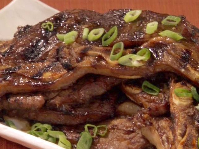 [Grade: A] Kalbi (Korean Barbequed Beef Short Ribs) - used to make BBQ sauce - 1 c brown sugar, 1 c soy, 1/2 c water, 1 can pears (drain and puree), 1/4 c mirin, 1 onion (minced), 3 T garlic, 1 T ginger, 2 T sesame oil, s to taste - boil together until thickened