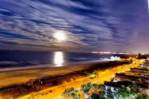 Currumbin beach at night