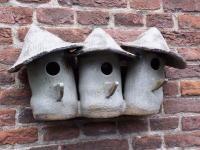 """Vogelhuisje nr.385. """"Drieling Afrika"""" €.180.-"""