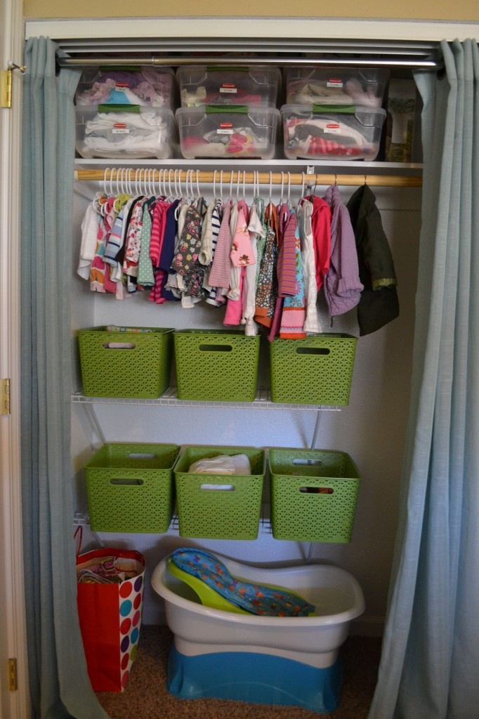 Oh, I wish!!!Small Spaces Organic, Closets Organic, Nurseries Closets, Baby Clothes Storage, Babies Clothes, Tiny Nurseries, Nursery Closets, Baby Clothing Storage, Baby Closets