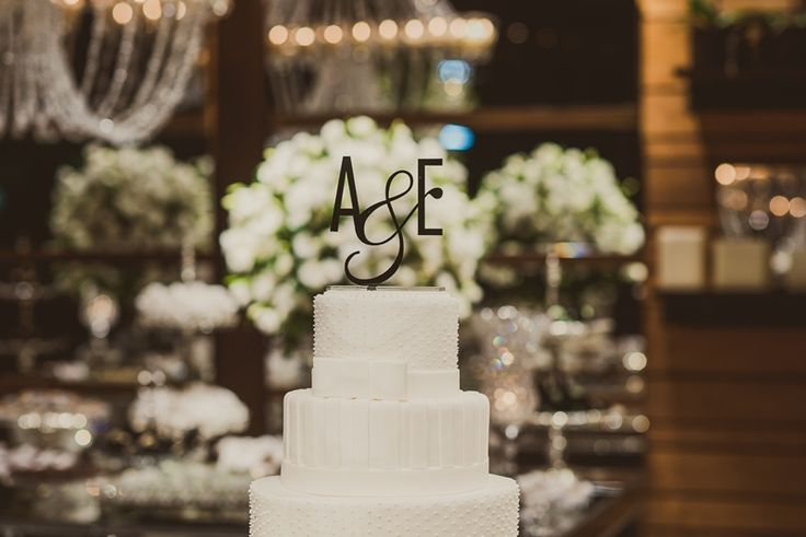Ideia criativa para casamento: topo de bolo com monograma dos noivos da 2wed - Foto Marina Lomar