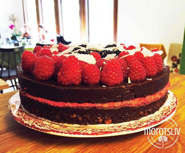Raw chokladtårta med hallon